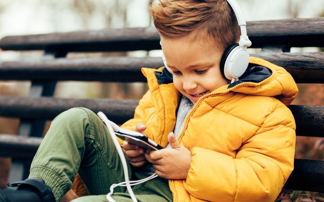3 Ways Music Develops Well-rounded Children